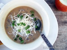 Caramelized Onion Mushroom Gouda Soup by Sumptuous Spoonfuls Soup Kitchen, Test Kitchen, Carmelized Onions, Mushroom Soup Recipes, Soup And Sandwich, Gouda, Chili Recipes, Soup And Salad, No Cook Meals