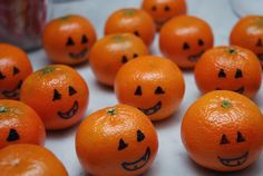 Super easy! Mandarijntjes voor #Halloween. Gezond & makkelijk - ideaal als traktatie.