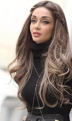 Iranian model, Elnaz Golrokh.