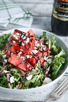 Watermelon Feta and Arugula Salad. Watermelon Feta and Arugula Salad with Pine Nuts Pickled Onions and Honey Balsamic Reduction. Vegetarian Recipes, Cooking Recipes, Healthy Recipes, Vegetarian Salad, Refreshing Salad Recipe, Summer Salads, Spring Salad, Fancy Salads, Soup And Salad