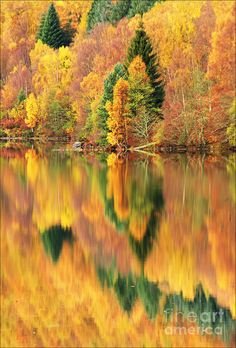 autumn reflections, Loch Tummel, Scotland (by George Hodlin)