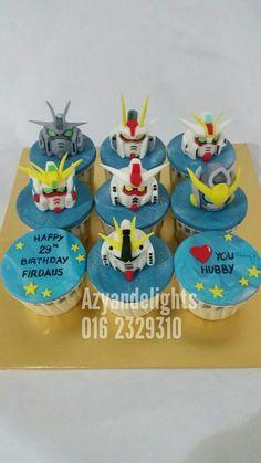 Gundam Cupcakes