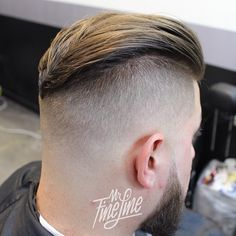"""imonkeyaround: """"Best of both worlds. I consider I've been barbering for almost 14 years but only recently began studying how to style as well as the history of men's styles. Those studies are what help me complete styles like this Best Hairstyles For Older Men, Mens Hairstyles With Beard, Slick Hairstyles, Undercut Hairstyles, Hair And Beard Styles, Haircuts For Men, Hair Styles, Crew Cut Haircut, Flat Top Haircut"""