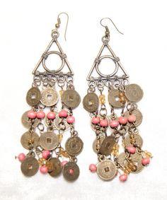 Oorbellen geluksmuntjes Tibet koperkleurig met roze kraaltjes - Earrings Tibetan…