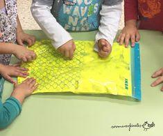 Ses Meves Feinetes: Programació Manipulacions 3 Anys Picnic Blanket, Outdoor Blanket, Sensory Activities, Plastic Cutting Board, Picnic Quilt