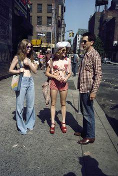 Billie Perkins, Jodie Foster, and Robert De Niro on the set of TAXI DRIVER (1976)