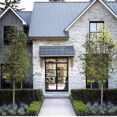 90 incredible modern farmhouse exterior design ideas 2019 Those doors! And the stone 90 incredible modern farmhouse exterior design ideas The post 90 incredible modern farmhouse exterior design ideas 2019 appeared first on Landscape Diy. Italian Farmhouse, Modern Farmhouse Exterior, Modern Farmhouse Style, Farmhouse Homes, Farmhouse Design, Rustic Farmhouse, Farmhouse Ideas, Modern Home Exteriors, Farmhouse Trim