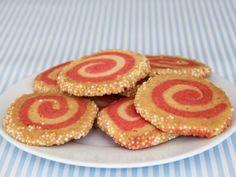 Kinderkekse mit Spiralmuster. Ein Thermomix Rezept mit Tutorial - kommen bei Kindergeburtstagen besonders gut an. http://www.meinesvenja.de/2011/08/26/kinderkekse-mit-spiralmuster/