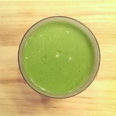 Anti-Inflammation Smoothie - #vegan/#vegetarian - full recipe on blog!