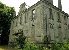 Petit château à Goussainville (95)France près de Paris