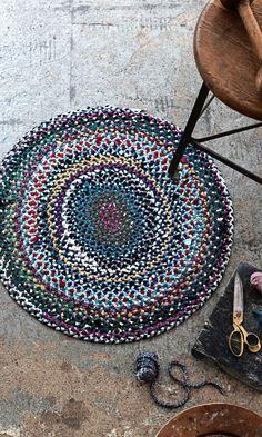 Dark Carpet, Green Carpet, Carpet Colors, Modern Carpet, Textured Carpet, Patterned Carpet, Carpet Squares, Painting Carpet, Carpet Cleaning Company