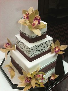 The pastry chefs at Alize inside Palms Casino Resort are talented and waiting for their next #WeddingCake request! Will it be yours?