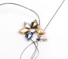 Free Bead Weaving Instructions: DiamonDuo and Demi Round Seed Bead Bracelet