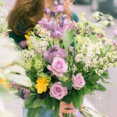 Soft and fresh bouquet #lilacflowerboutique #lilacbaku #lilac #lilacportbaku #lilac247 #beatgroup #baku #azerbaijan #flowers #florist #bouquet #yourfriendlyflorist #presents #gifts