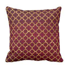 Chic Gold Glitter Quatrefoil Girly Red Burgundy Outdoor Pillow