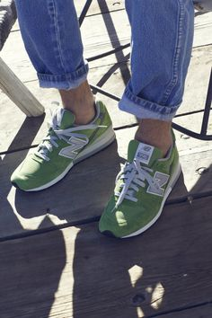 New Balance 996: Green Suede