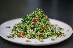 Alkaline Raw Cauliflower Tabouli - This raw vegan gluten free cauliflower tabouli is simple, fresh, alkaline, super healthy, and absolutely delicious!