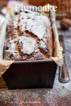 Buongiorno oggi lunedì ricetta dolce light, semplice semplice   Trattasi di un plumcake  con dello yogurt  che lo rende friabile e l...