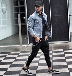 Casual Man (Jeans, Shorts, T-Shirts – Jonathan Alonso Site : www. – Men's style, accessories, mens fashion trends 2020 Jean Jacket Outfits, Denim Jacket Men, Man Jeans, Outfit Jeans, Mens Style Guide, Men Style Tips, Best Mens Leather Jackets, Style Streetwear, Mode Man