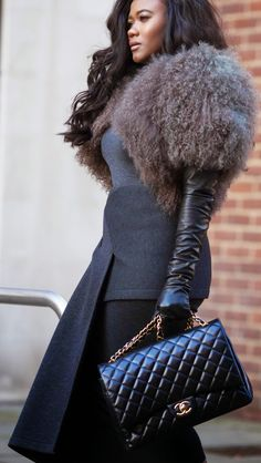 Elegant Gloves, Fall Chic, Chanel Outfit, Black Leather Gloves, Over 50 Womens Fashion, Fur Fashion, The Chic, Clothes Horse, Back To Black