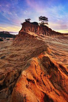 Broken Hill, New South Wales - Australia Western Australia, Australia Travel, Home Beach, Places Around The World, Around The Worlds, Voyager C'est Vivre, Outback Australia, Beautiful World, Beautiful Places