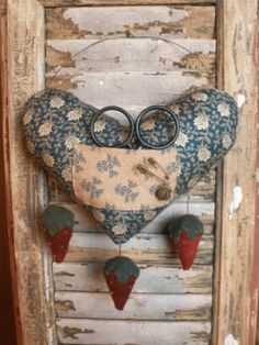 """Primitive Heart Pinkeep with Strawberries PM3 by """"Liberty Creek Primitives - Kari Emerson"""" Sewing Kit, Sewing Tools, Sewing Notions, Sewing Crafts, Primitive Patterns, Primitive Crafts, Needle Book, Needle Case, Humble Heart"""