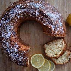 Κέικ χωρίς ζάχαρη: 7 συνταγές για ένα υγιεινό πρωινό ή και σνακ - Shape.gr Love Is Sweet, Bagel, Sweet Recipes, Sausage, Sweets, Bread, Diet, Vegan, Cookies