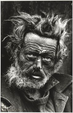 Tate Britain is holding a major retrospective of photojournalist Don McCullin, widely regarded as Britain's greatest living photographer. We Are The World, People Around The World, Black And White Portraits, Black And White Photography, Fotografia Social, Old Faces, Tate Britain, War Photography, Poverty Photography