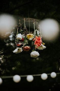 How sweet is this little floral mobile!? | Image by Coley & Co Photography