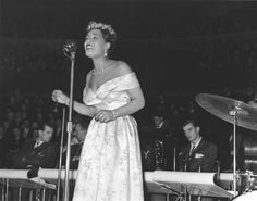 Harlem Renaissance Figures: Billie Holiday playing in the Apollo Theater in Harlem. 1920's