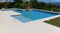 piscine-contemporaine-on-decoration-d-interieur-moderne-piscines-contemporaines-nice-06-toulon-var-idees-800x450.jpg (800×450)