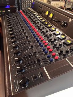 Erick Urbina Toranzo's 16 channel Tree Audio Roots console ESala EmotionStudio in Mexico City