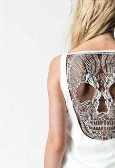 Lace Skull Back Shirt/Look Kelsey! Lace Skull, Skull Dress, Beaded Skull, Looks Style, Looks Cool, Style Me, Skull Shirts, Skull Tank, Look Girl