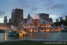 Grand Park in Chicago is home to one of the best fountains of the world. Inspired by the Latona Fountain at the Palace of Versailles, the fountain is styled as a rococo wedding cake. With light and water shows taking place each evening, the fountain attracts hundreds of people.  Shooting water up to 150 feet via the central jet, the fountain has made a name for itself worldwide.
