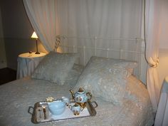 nuit de noce au chateau de Riveneuve du bosc, à louer pour mariage et/ou vacances, Toulouse, Ariège wedding in France, castle, vintage votre-château-de famille.com
