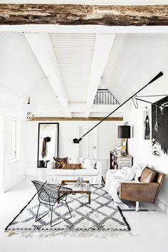 fell weiß sessel braun grau wandfarbe #wohnzimmer #livingroom ...