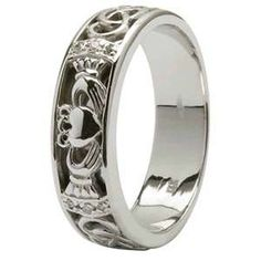 beautiful claddagh and celtic knot band