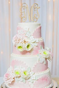 Beautiful cake and cake topper!