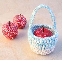 Crocheted Gift Basket With Handle