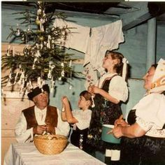 The traditional way of Christmas decoration in. - Pictures of lost world Historical Pictures, Christmas Carol, Artistic Photography, Eastern Europe, Christmas Traditions, Old Photos, Gifts For Kids, Activities For Kids, Nostalgia
