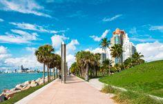 #SouthPointe, un paseo a orillas del mar, con el sol y el azul del cielo marcando el camino, al compás de las olas y del ritmo de Miami... #Ojalaestuvierasaqui
