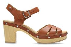 Discover new-season women's sandals from Clarks. Choose from strappy sandals, casual, smart, or summer sandals with heels for special occasions.