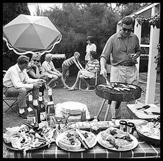 The backyard BBQ has long been an integral part of the Australian way of life.even back in A great way to celebrate Australia Day Gordon Delisle. Bbq Pics, Australian Bbq, Bbq World, Fresco, Family Bbq, Family Life, Outdoor Barbeque, Backyard Picnic, Picnic Set