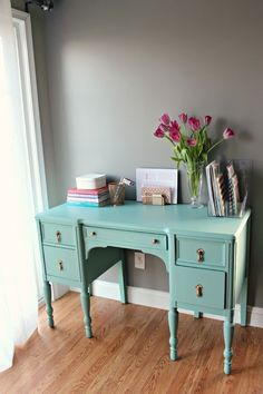 Antique Desk Makeover- I'd paint the top with chalkboard paint and then I could write any important dates numbers etc. right on the desk, no more having to worry about losing the papers Diy Furniture Projects, Home Projects, Home Furniture, Desk Makeover, Furniture Makeover, Teal Desk, Home Office, Warm Home Decor, Painted Furniture