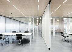 Mobile partition / wooden / acoustic / for offices DORMA Hüppe Raumtrennsysteme