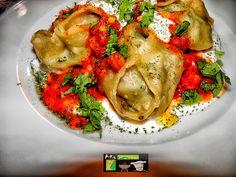 Mantu,Afghan Dish Afghanistan Food, Afghanistan Culture, Food N, Food And Drink, Afghan Food Recipes, Eastern Cuisine, Learn To Cook, Asia, International Recipes