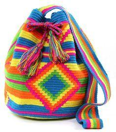 crochet patterns free mochila - Google zoeken Crochet Blocks, Knit Or Crochet, Crochet Patterns, Crotchet Bags, Knitted Bags, Tapestry Bag, Tapestry Crochet, Mochila Crochet, Gypsy Bag