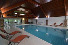Luxe vakantiehuis met heel groot zwembad, centraal gelegen vlakbij Maastricht, Aken en Luik!