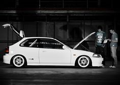 A pre-facelift ctr ek9 with the perfect stance...