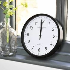 London clock Schoolklok - RC SIMPLE- zwart London Clock, Simple, Wall, Home Decor, Decoration Home, Room Decor, Walls, Home Interior Design, Home Decoration